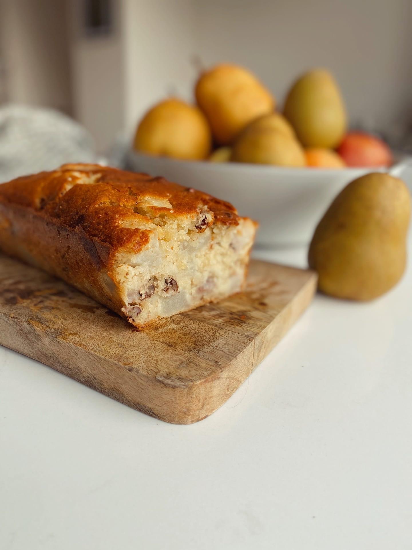 Gâteau moelleux aux poires et lait d'amandes