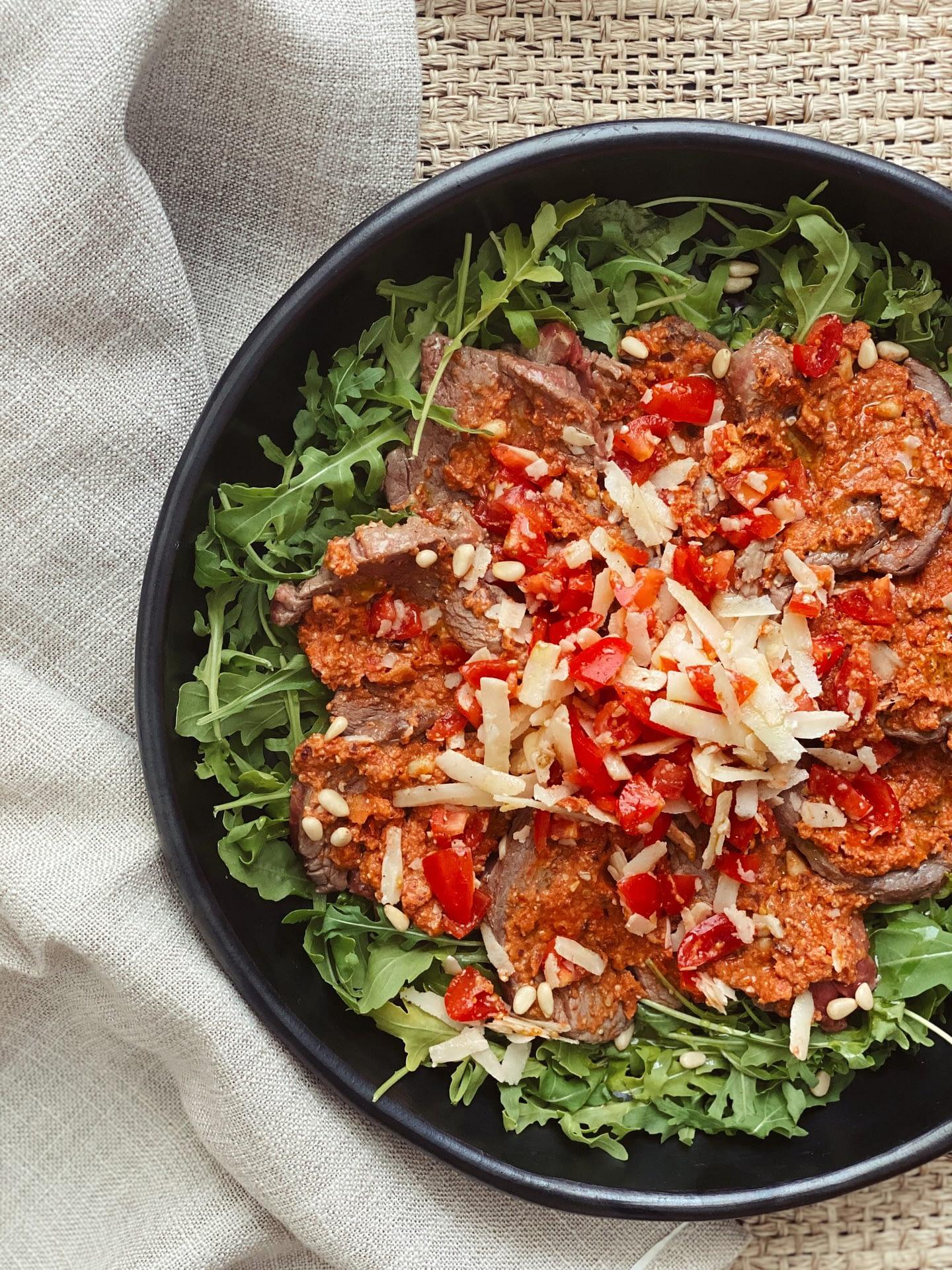 Tagliata de boeuf aux olives noires et tomates séchées